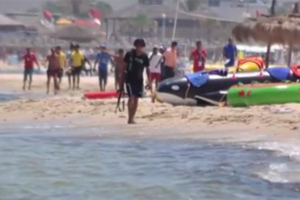 KUKAVICE: Policija u Tunisu bila pralisana od straha, terorista s plaže neometano ubijao pola sata