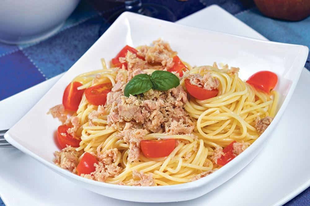 Špagete s tunjevinom i paradajzom