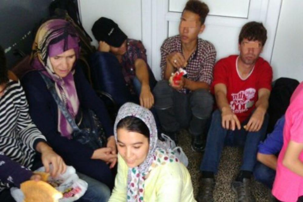 NA ŽELEZNIČKOJ STANICI KOD BUJANOVCA: Carinici otkrili više od 20 Avganistanaca u teretnom vozu