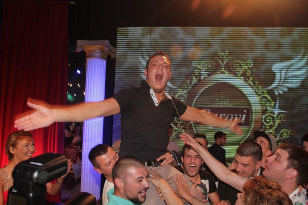 (VIDEO) FINALE PAROVA: Nenad Marinković Gastoz veliki pobednik rijalitija!