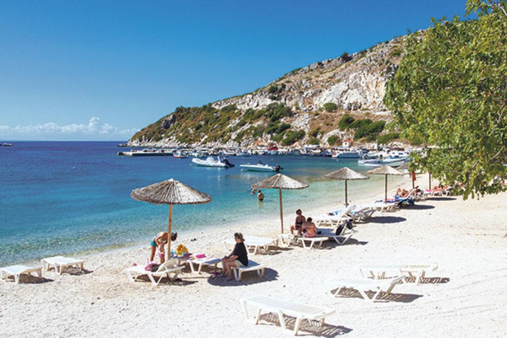 GRČKA ČERUPA TURISTE ZBOG BANKROTA: Cene u letovalištima skočile za čak 50 odsto!