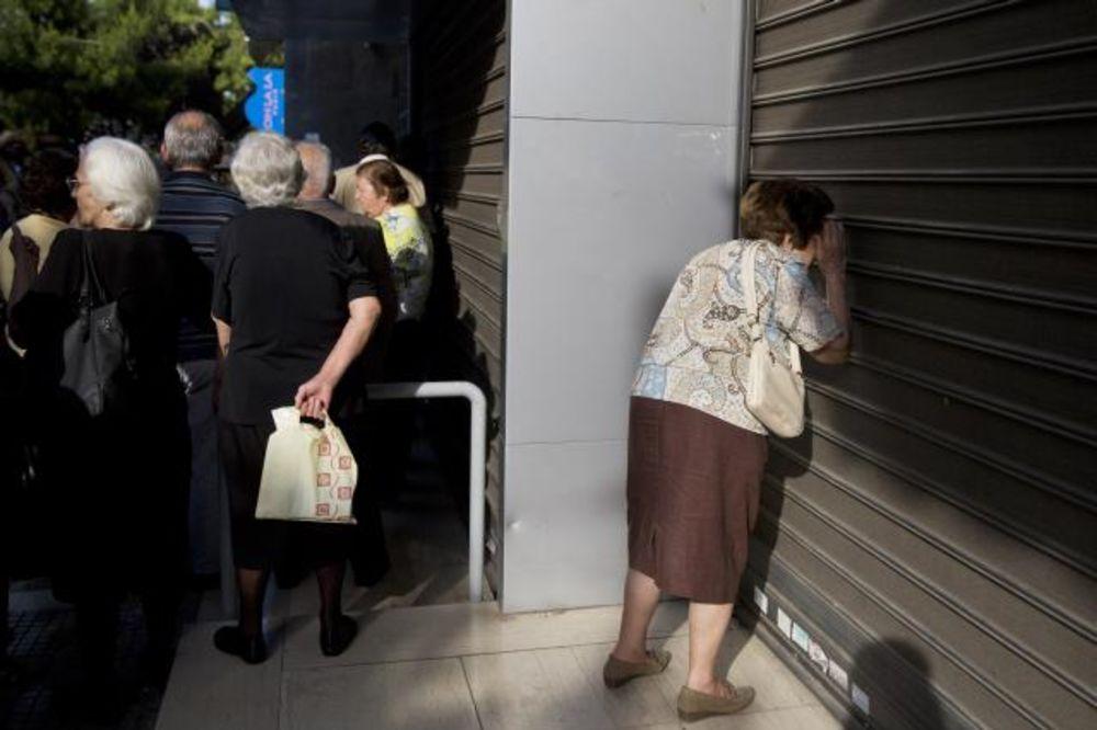 TURISTI, KAKO DO KEŠA U GRČKOJ: Stranci sa bankomata mogu da podižu bez ograničenja