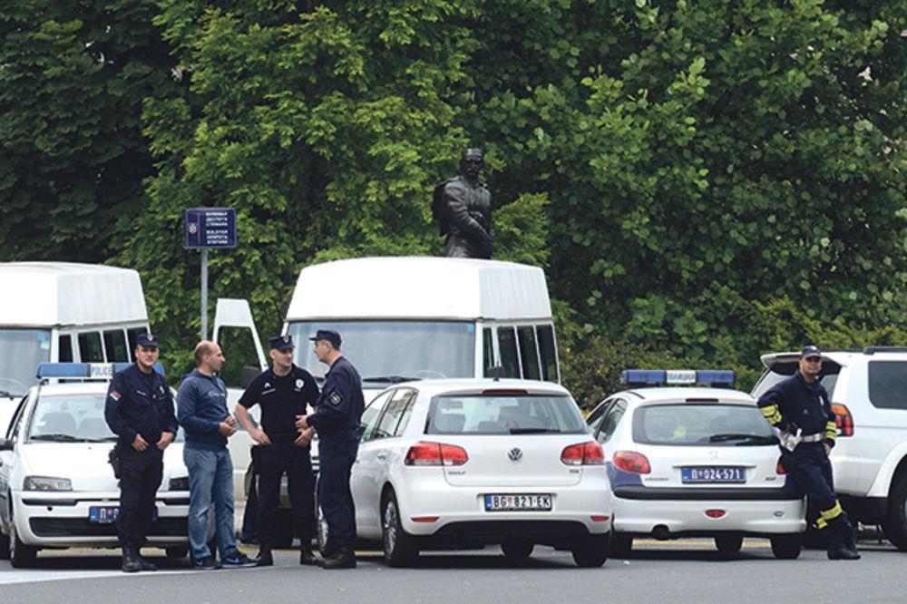Jake policijske snage  obezbeđuju grad Bulevar despota Stefana 18.00