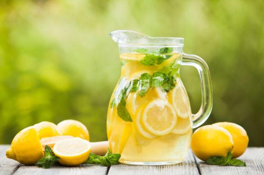 HUMAN NAČIN DA SE OSVEŽITE: Popijte limunadu u kafiću i pomoćićete Svratištu za decu!