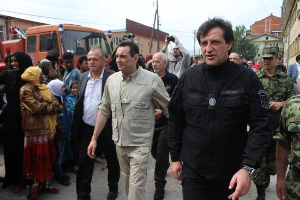 (FOTO) VULIN I GAŠIĆ U PREŠEVU: Kolektivni centar za migrante uskoro počinje s radom