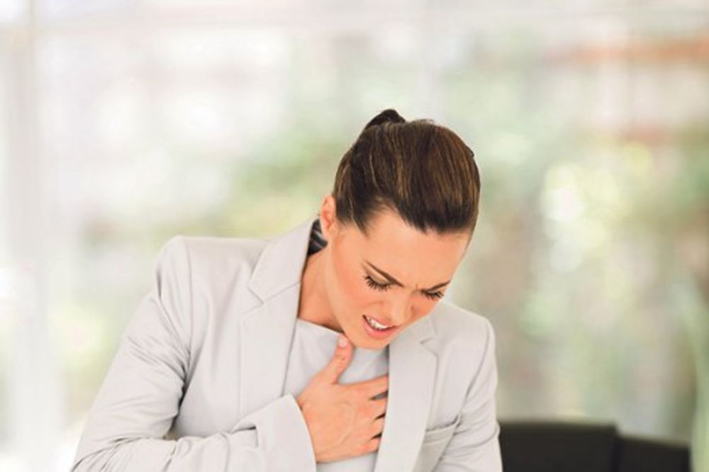 Zašto vas boli srce kada ste tužni ili zaljubljeni! Bol-srcani-udar-pritisak-mucnina-foto-thinkstock-1435575800-690067