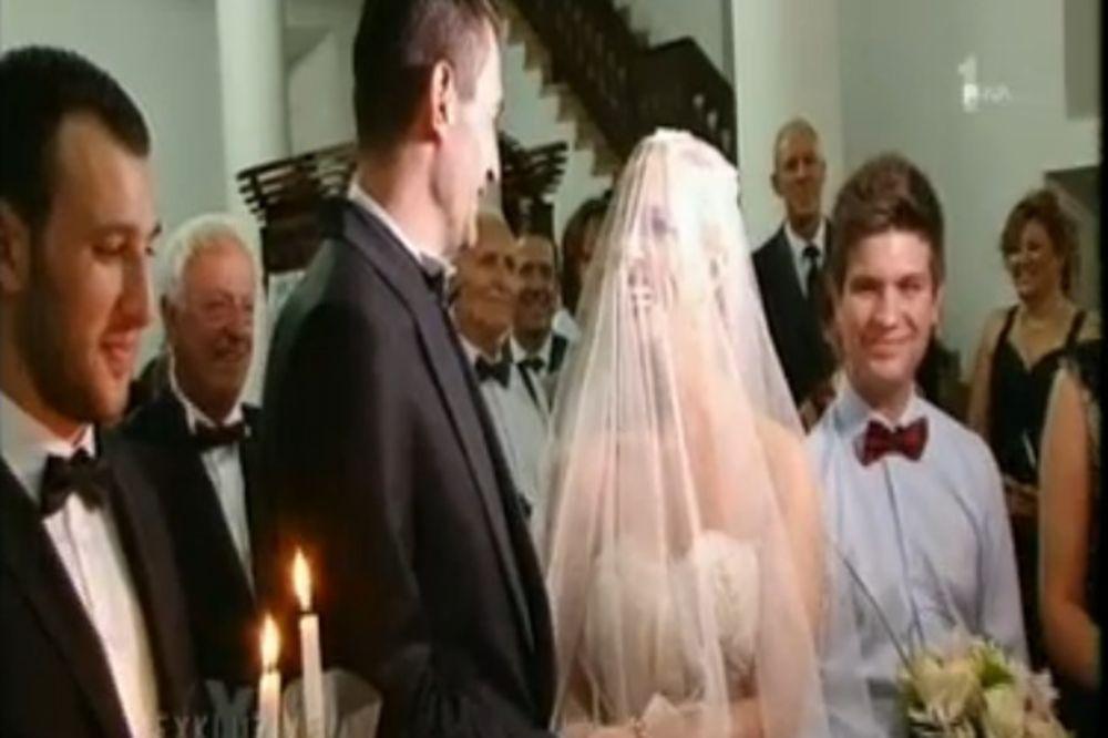 (FOTO) TIJANA DAPČEVIĆ UDALA SESTRU: Ovako je Tamara izgledala na svadbi!