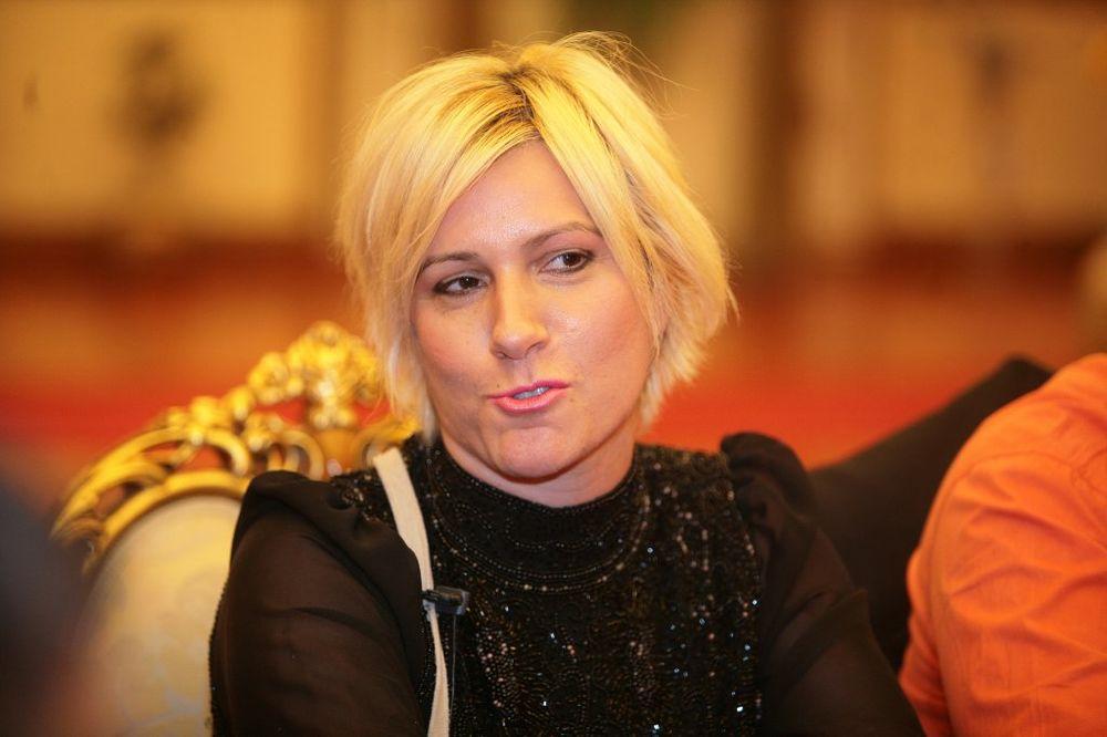 I NIJE JOJ DOSTA: Jelena Golubović otkrila koliki je honorar dobila u Parovima