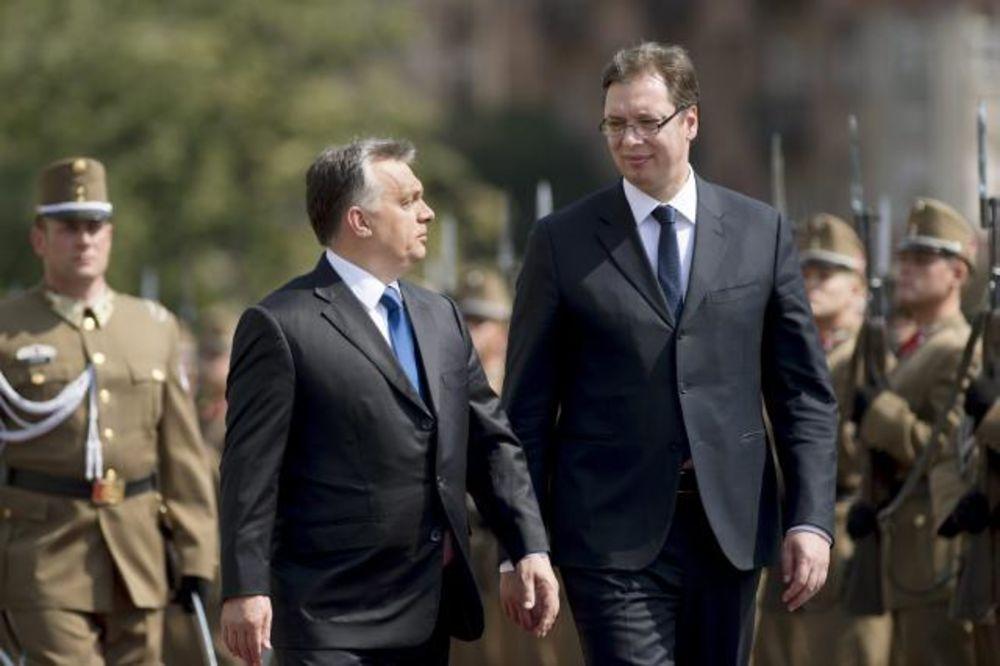 VUČIĆ O ZIDU NA GRANICI: Nije nam prijatno, ali Mađarska štiti svoju državu i interes