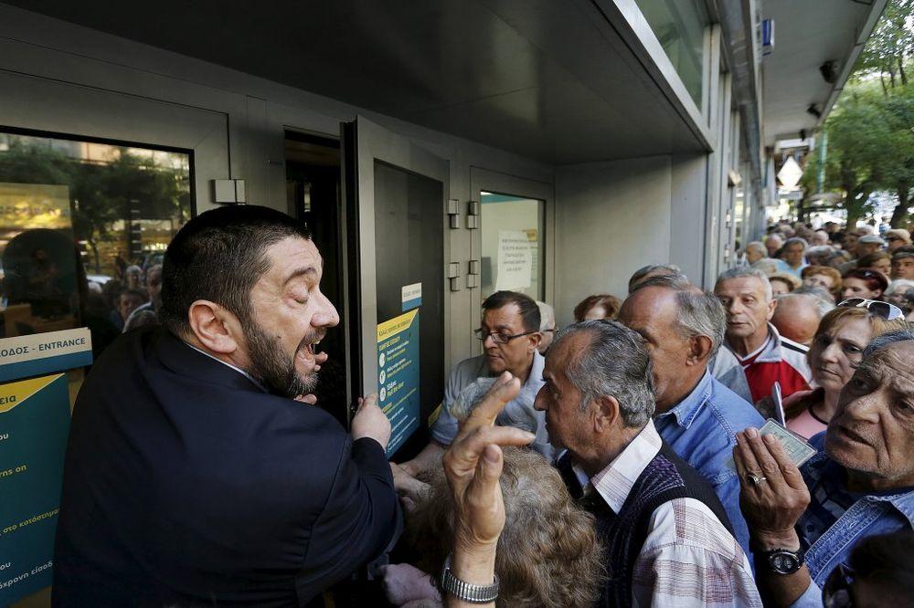NEMA ZIME ZA NAŠE U GRČKOJ: Sezonce iz Srbije kriza ne pogađa!
