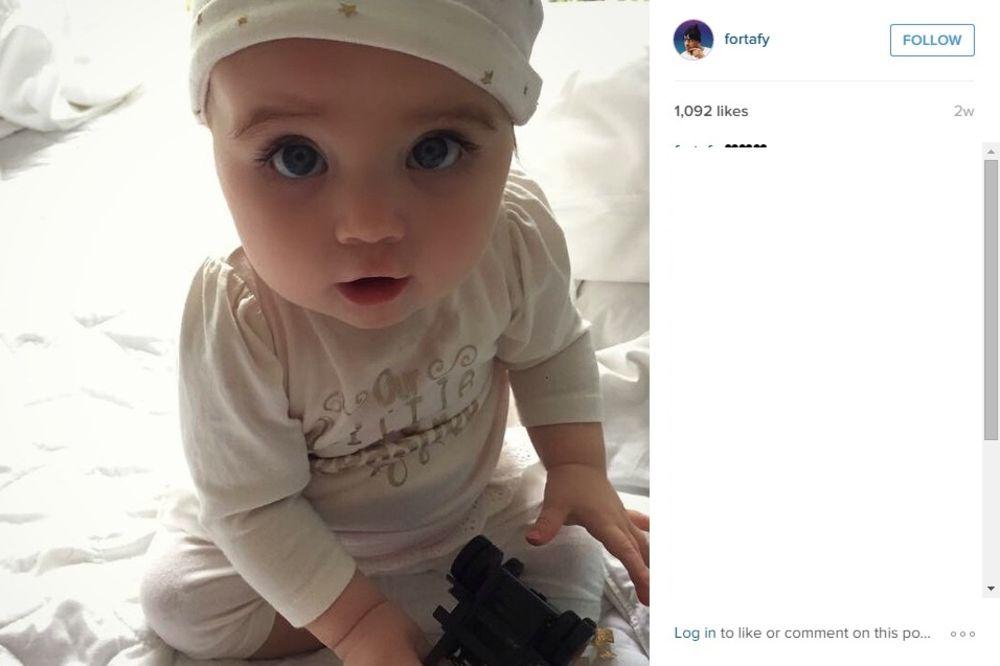 (FOTO I VIDEO) NAJMLAĐA ZVEZDA INTERNETA: Kim Kardašijan je među 100.000 pratilaca ove bebe na Fejsu