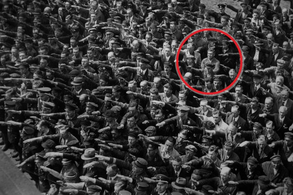 ODBIO DA SALUTIRA FIRERU: Tragična priča o usamljenom junaku koji se suprostavio Hitleru!