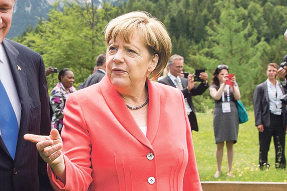 LEVIČARI USTALI ZBOG GRČKE: I Nemci zahtevaju referendum o evru