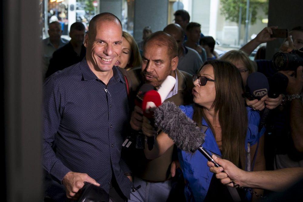 VARUFAKIS: Daću ostavku ako Grci glasaju za predlog EU, pre ću odseći sebi ruku nego da ga potpišem!