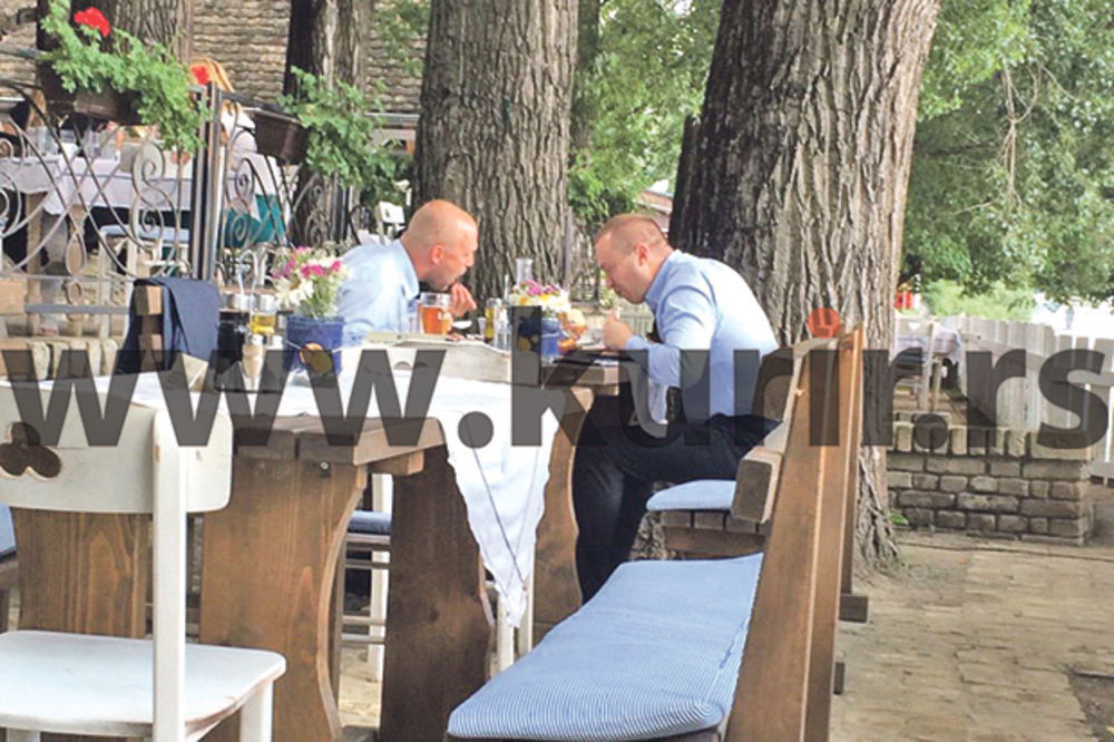 KURIR TV ĆE VAS ODUŠEVITI: Bojan Pajtić ručao uz pesmu Pada vlada