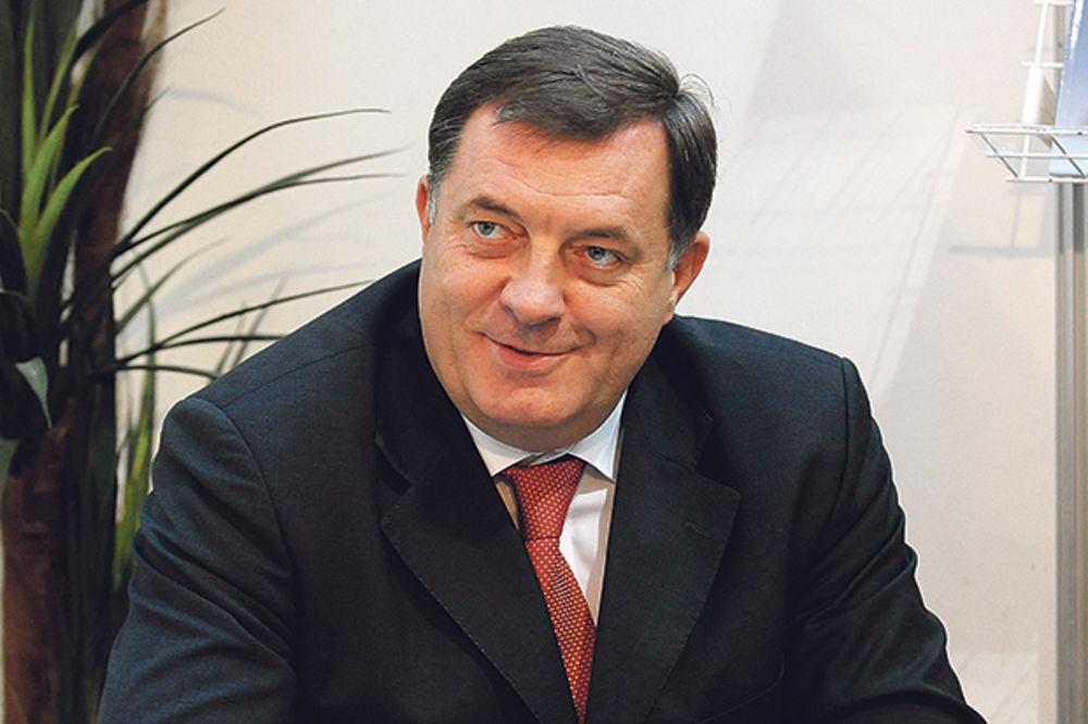 POSTAO DEDA: Milorad Dodik dobio unuka!