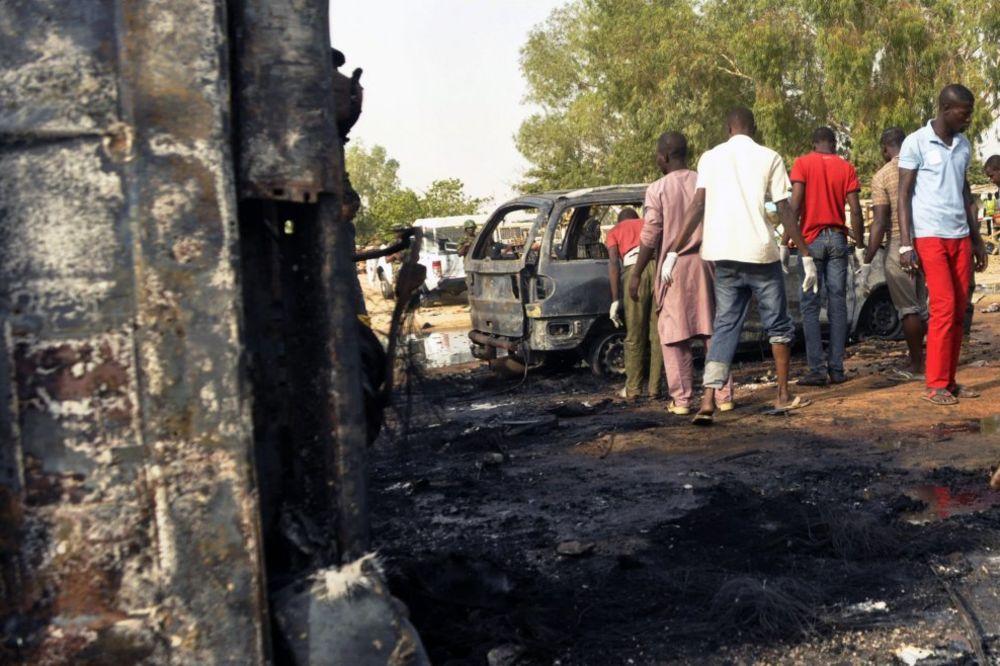 OTERANA U SMRT: Devojčica samoubica aktivirala bombu u džamiji i ubila sebe i 12 ljudi