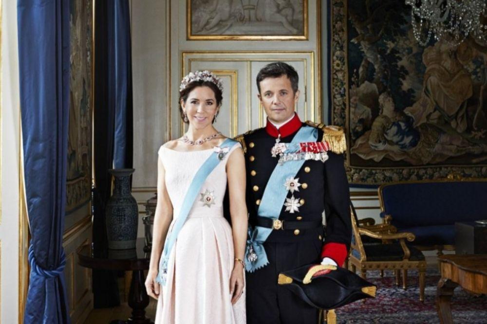 (FOTO) Njihov život je bajka: 10 obicnih žena koje su se udale za princeve!