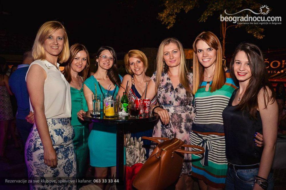 (FOTO) SVE SAME DAME: Ovako su se sinoć zabavljali uz Tonija Cetinskog
