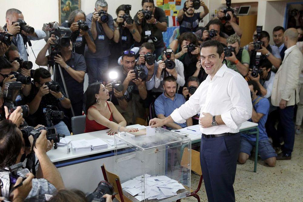 (VIDEO) REFERENDUM U GRČKOJ: Cipras glasao dok je masa klicala NE!