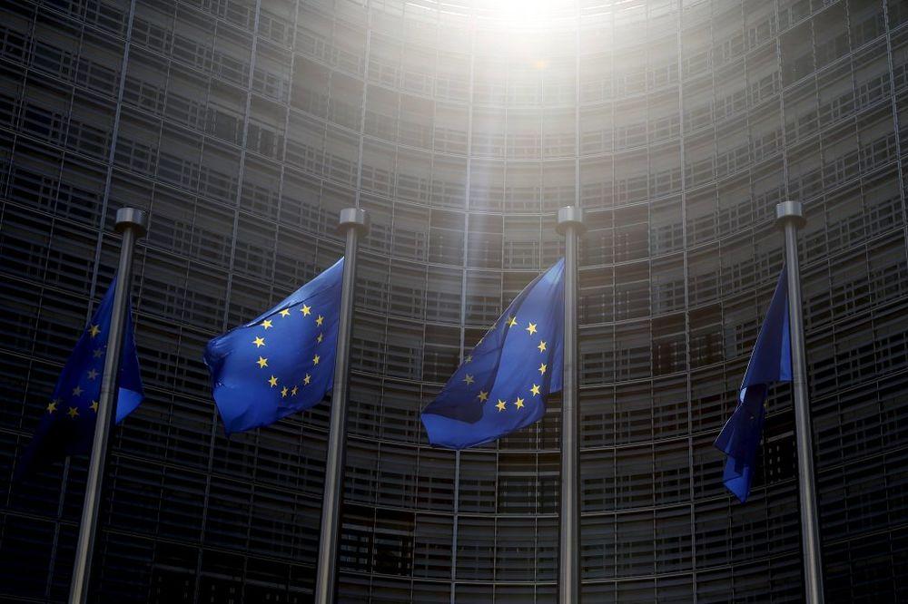 Vučić sledećeg četvrtka s Junkerom u Briselu