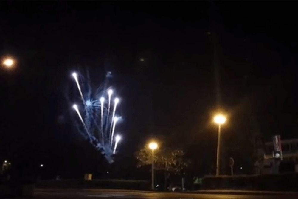 (VIDEO) Pogledajte vatromet ispred zatvora kojim su navijači Dinama slavili hapšenje Mamića
