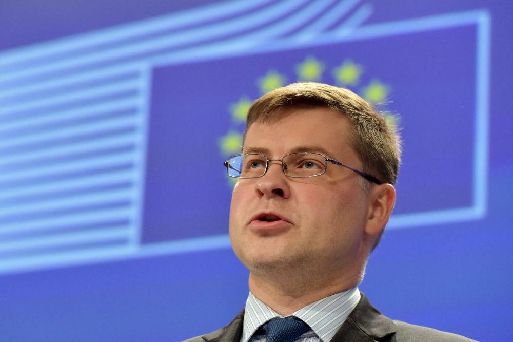 (VIDEO) EVROPSKA KOMISIJA: Grčka da ostane u evrozoni, tu joj je mesto