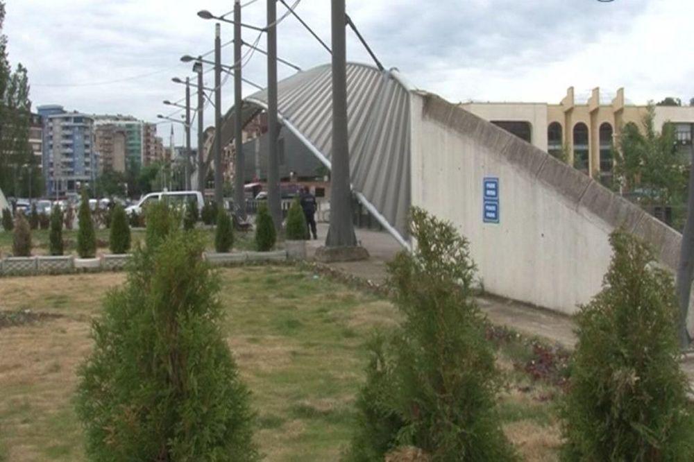 KOSOVSKA MITROVICA: Povećano prisustvo policije na severu Kosmeta