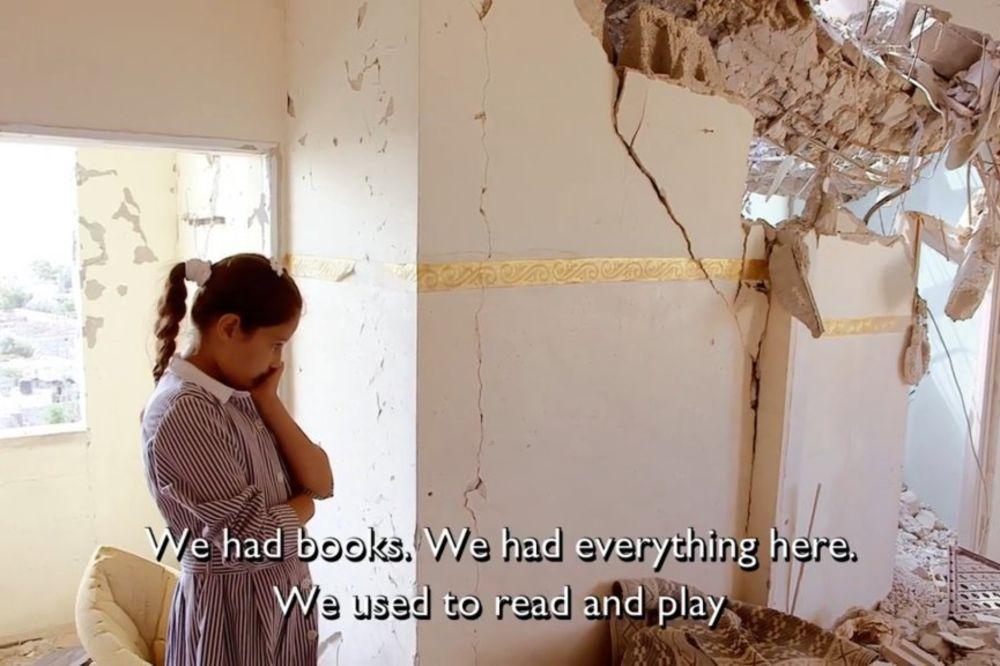 (FOTO) DA SE SRCE STEGNE: Pogledajte kako reaguju deca dok obilaze svoj ratom porušen dom!