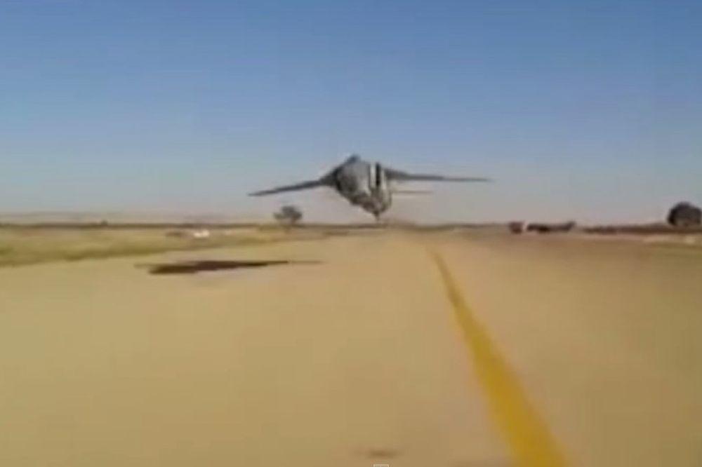 (VIDEO) LIBIJSKI RULET: Voze Mig u brišućem letu metar iznad piste!