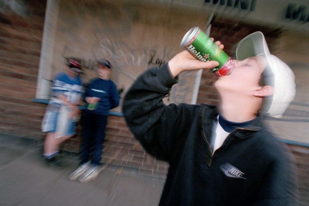 DRŽE CRNI REKORD U EVROPI: Češka deca piju kao smukovi