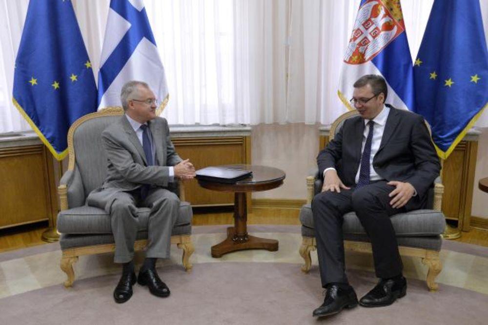 OPROŠTAJNA POSETA: Vučić s finskim ambasadorom o ulaganju u pribojski FAP