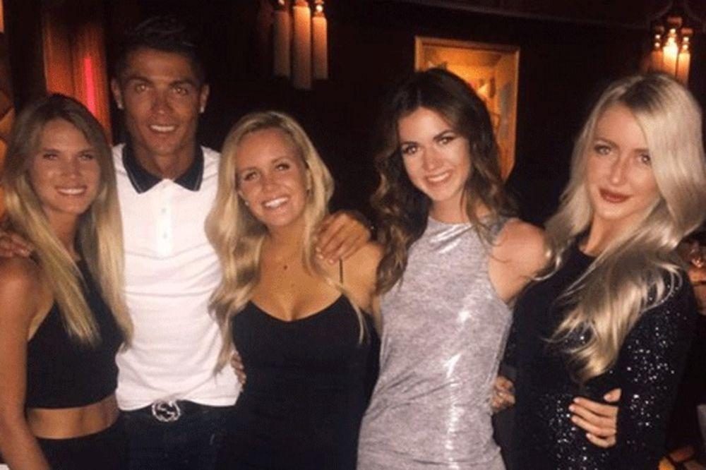 ISPLATI SE BITI DOBRA DUŠA: Ronaldo pronašao telefon, zatim vlasnicu izveo na večeru