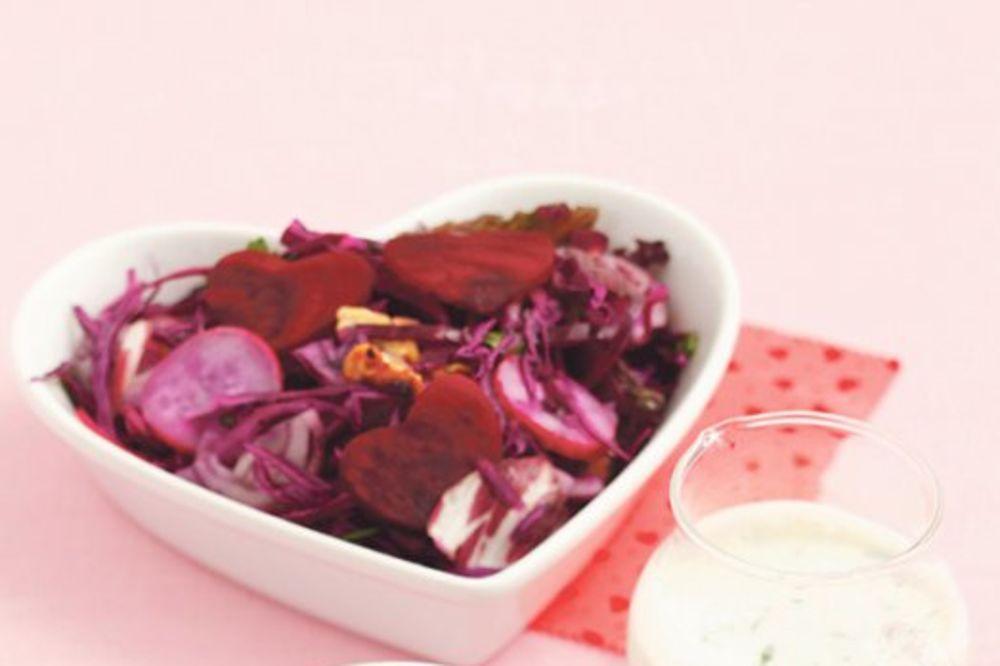 Zdrava salata od cvekle, kupusa i meda