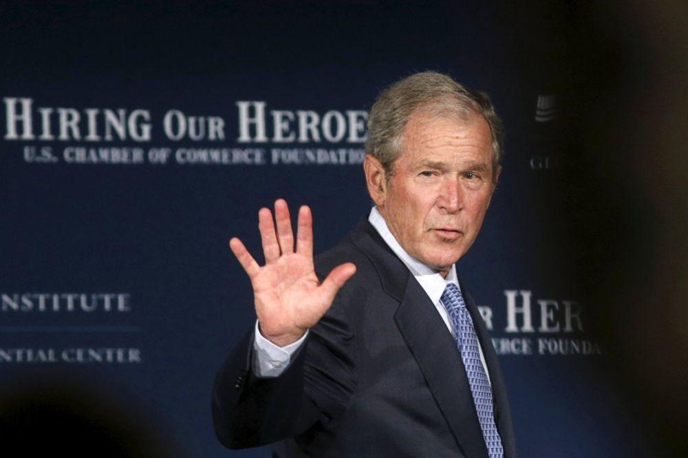 BRATSKA PODRŠKA: Džordž Buš ulazi u kampanju brata Džeba