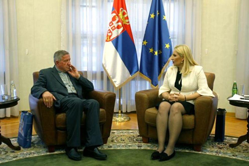 (FOTO) SUSRET MIHAJLOVIĆEVA-HOČEVAR: Žena i porodica njavažniji za društvo!