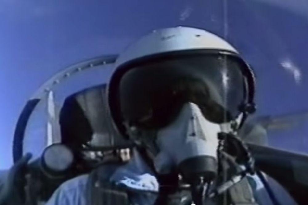 RUSKI PILOT PROZVAO JE CEO NATO: Dve decenije niko ne sme na dog-fajt! (VIDEO)
