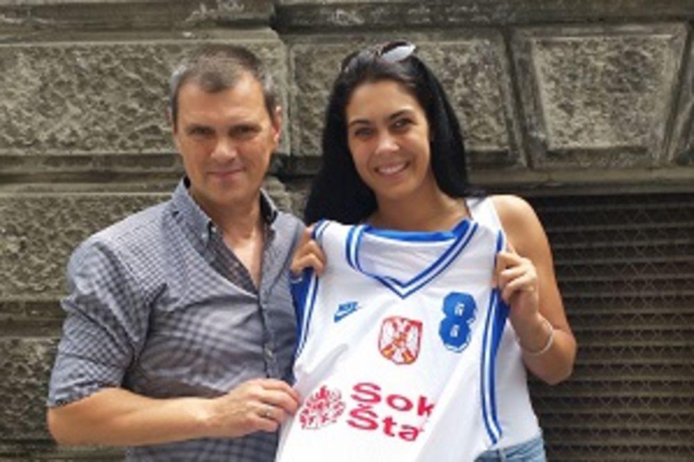 ŠAMPIONKI OD ŠAMPIONA: Saznajte zašto je Milica Mandić na poklon dobila dres košarkaša iz Atine