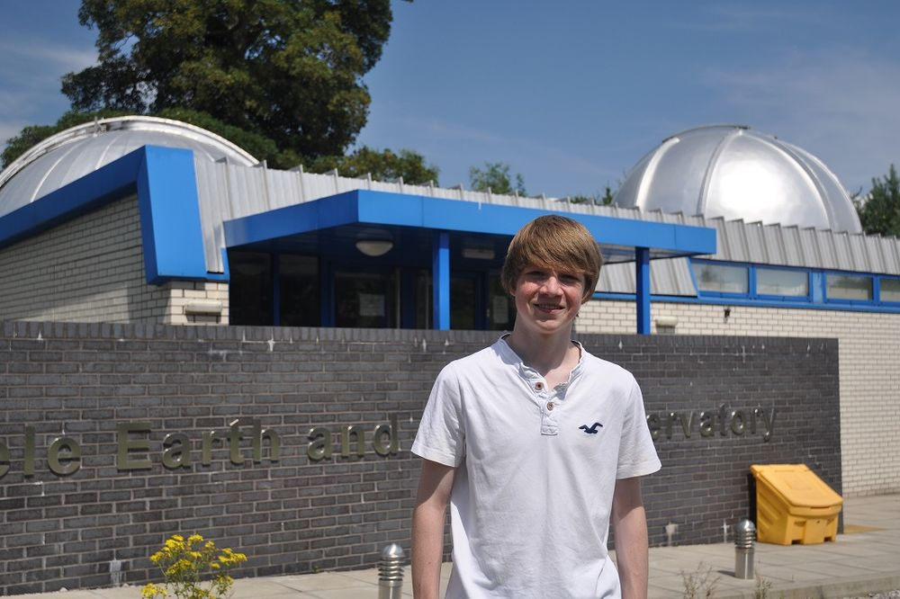 NAUČNICI POTVRDILI: Tinejdžer (15) pronašao novu planetu!
