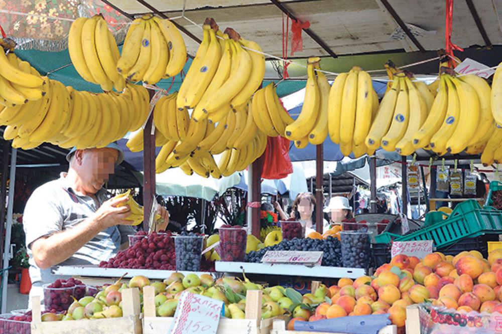 U HRVATSKOJ I CRNOJ GORI CENE VEĆE ČETIRI PUTA: Srpsko voće je najjeftinije!