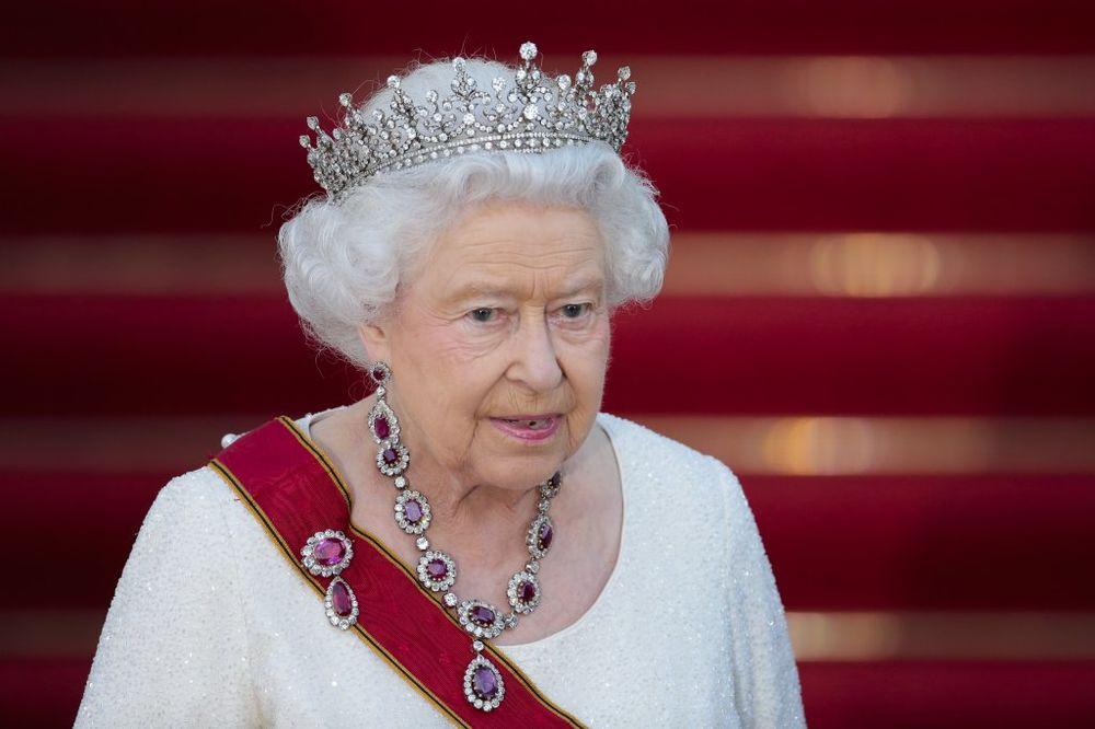 Kraljica Elizabeta se oseća izdano (Foto: AP)