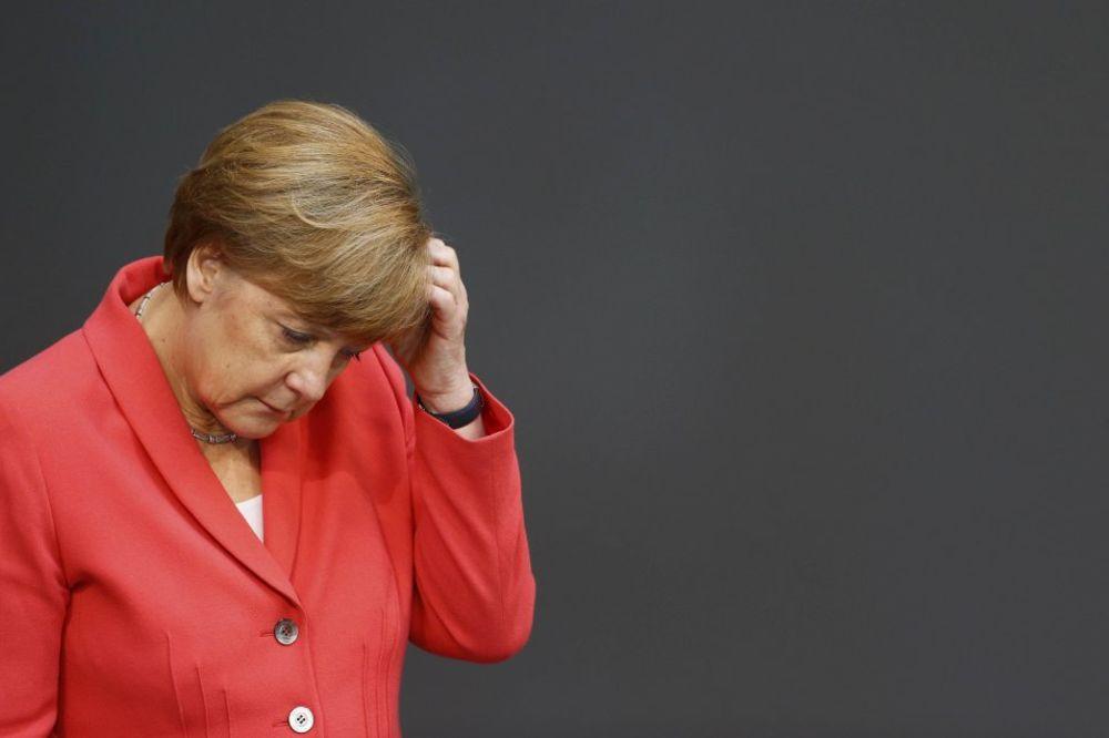 MERKELOVA ODLUČNA: Neće biti klasičnog šišanja duga Grčke