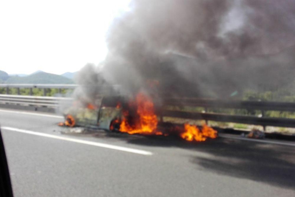 ODJEDNOM JE BUKNUO, PA EKSPLODIRAO: Na auto-putu kod Rijeke izgoreo fijat