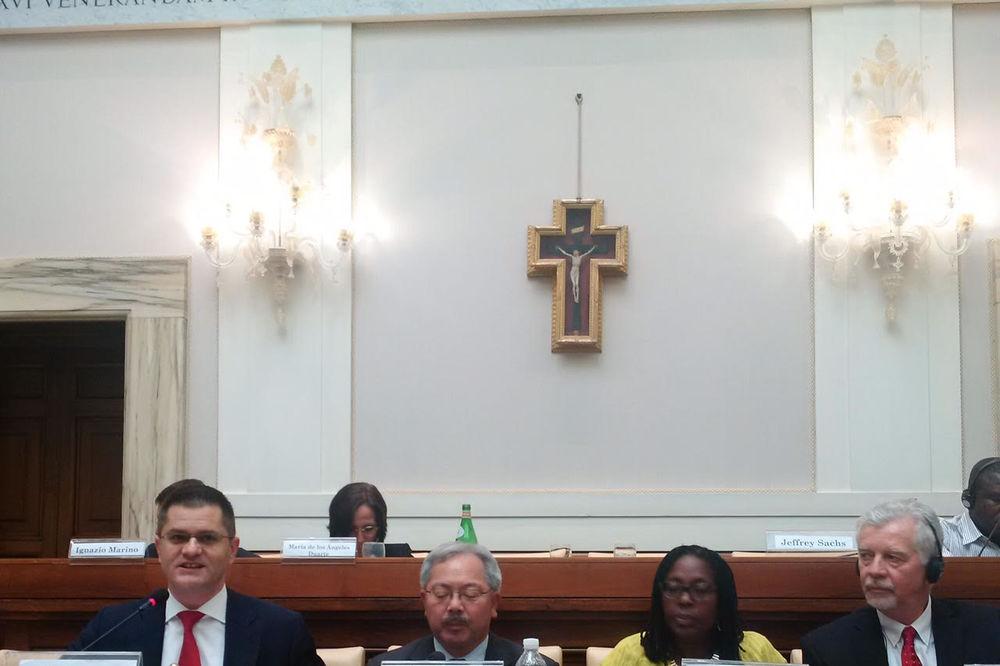 NA SIMPOZIJUMU O GRADOVIMA: Jeremić govorio u Vatikanu!