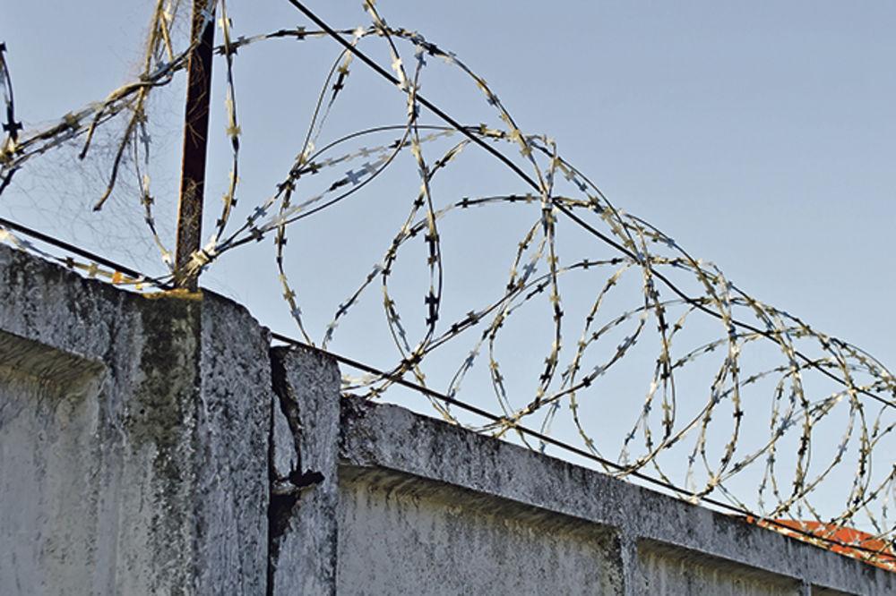 NEMA OBRAZA: Kolinda letuje u logoru Lora, gde su ubijali Srbe!