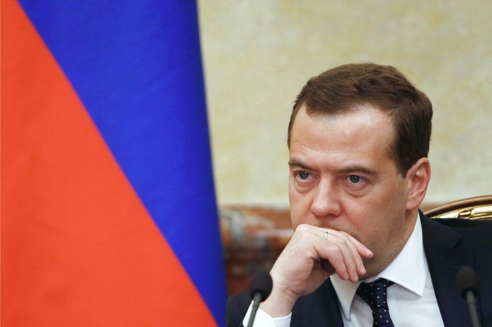 MEDVEDEV UPOZORAVA: Ukrajina će se raspasti kao Jugoslavija ako ne bude mudra