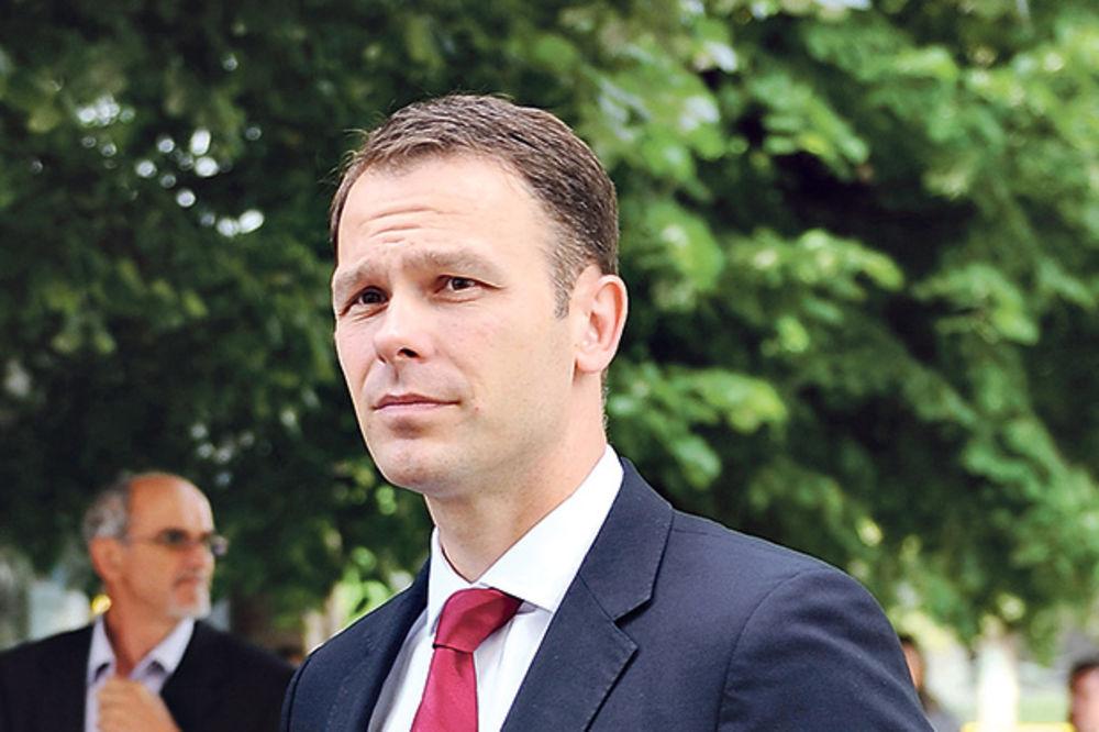GRADONAČELNIK BEOGRADA SAVETUJE PENZIONERE: Žalite se ministru na veliki porez!