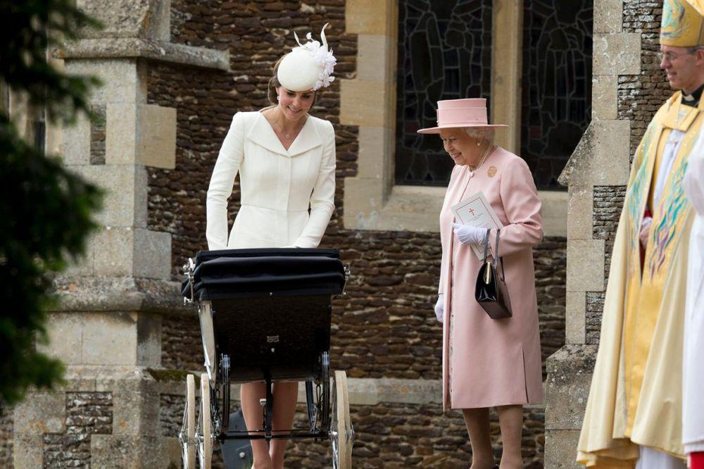 JADI MLADE PRINCEZE: Evo šta je sve kraljica Elizabeta zabranila Kejt Midlton!
