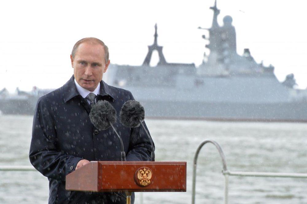 (VIDEO) PARADA POVODOM DANA MORNARICE Putin: Naša ratna flota je ponos Rusije!