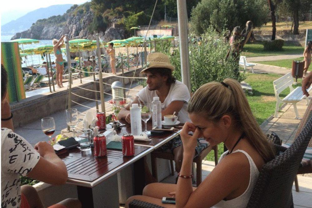 (FOTO) IZMEĐU MALEZIJE I LIVERPULA: Pogledajte kako Lazar Marković uživa u Crnoj Gori